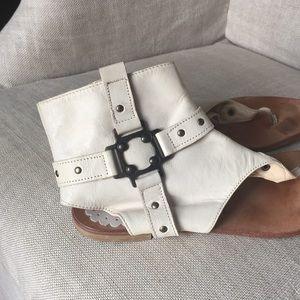 HOST PICK -Vero Cuoio Sandals- Italy